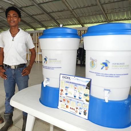 Dona filtros de agua